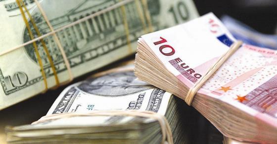 أوكرانيا برس   انخفاض سعر صرف اليورو في أوكرانيا دون  العتبة النفسية  فيما يسجل الدولار ارتفاعا جديدا